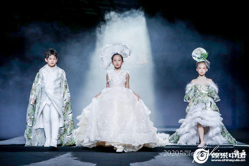 搜亚时尚之夜成都站再次开启全国巡演 娱乐中国